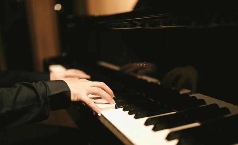 マン 歌詞 ピアノ 六畳間のピアノマン
